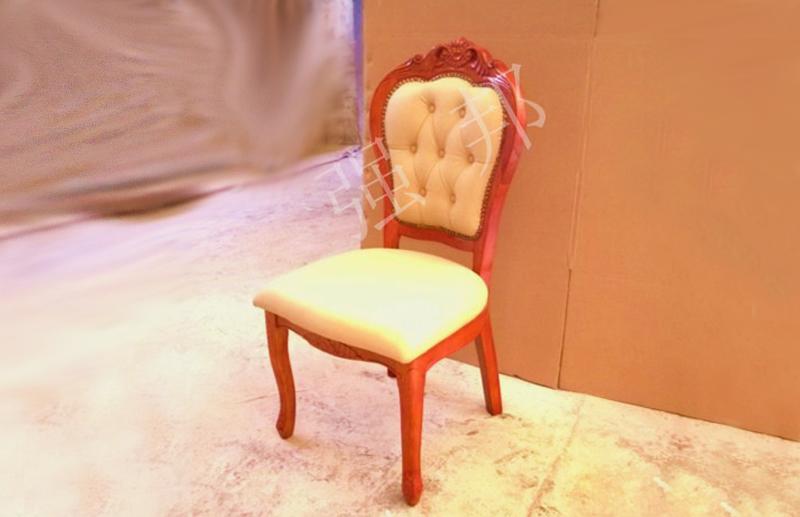 真皮餐椅D15